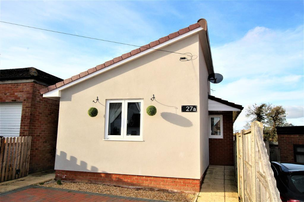2 Bedrooms Detached Bungalow for sale in Wingfield Avenue, Maulden, MK45 2DU