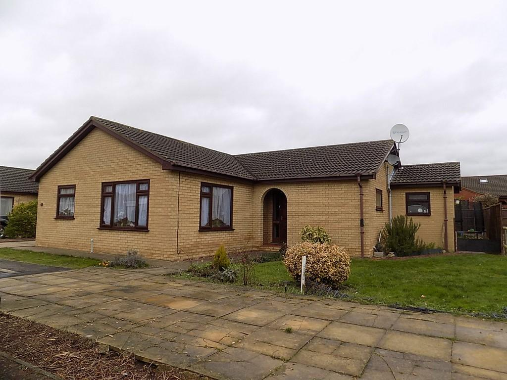 3 Bedrooms Detached Bungalow for sale in Fairfax Way, March