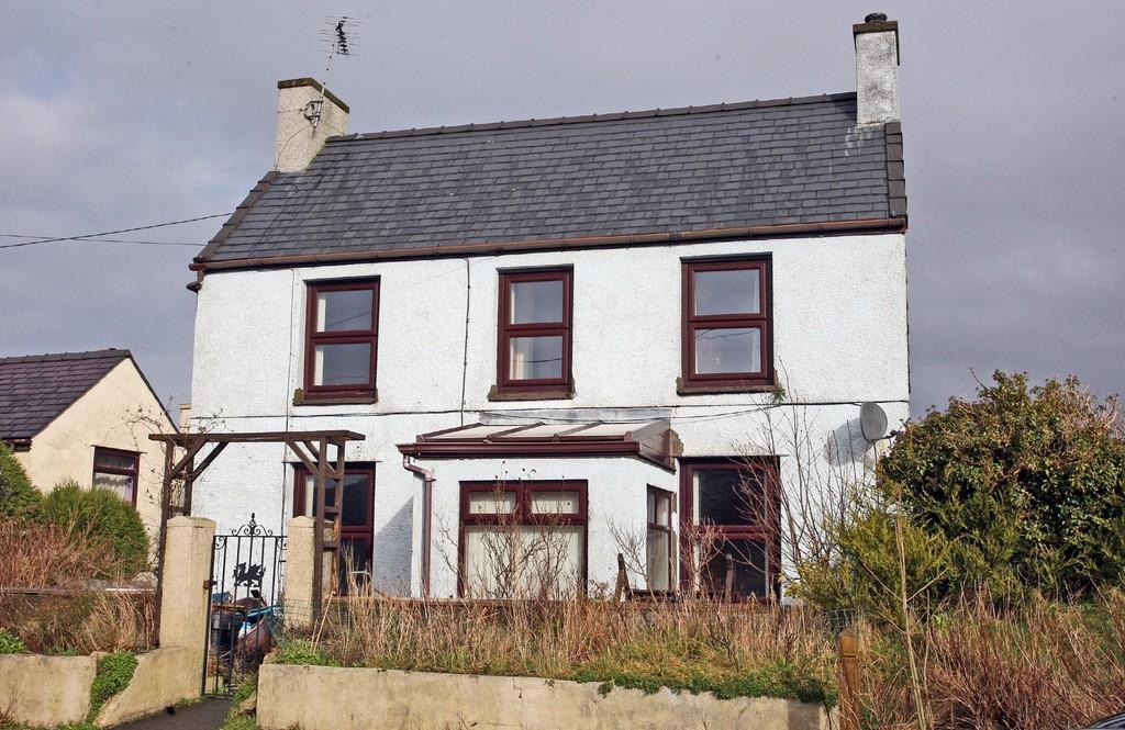 3 Bedrooms Detached House for sale in Dinorwic House, Brynrefail, North Wales