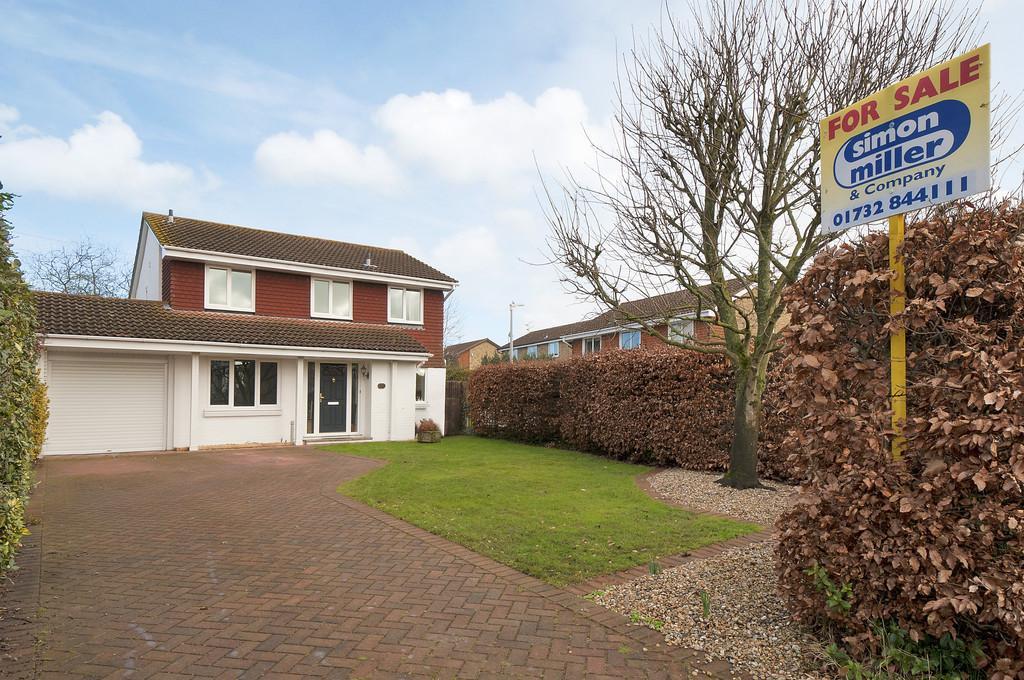 4 Bedrooms Detached House for sale in Phoenix Drive, Wateringbury