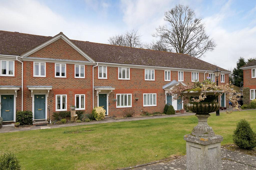 2 Bedrooms Cottage House for sale in Nevill Court, West Malling