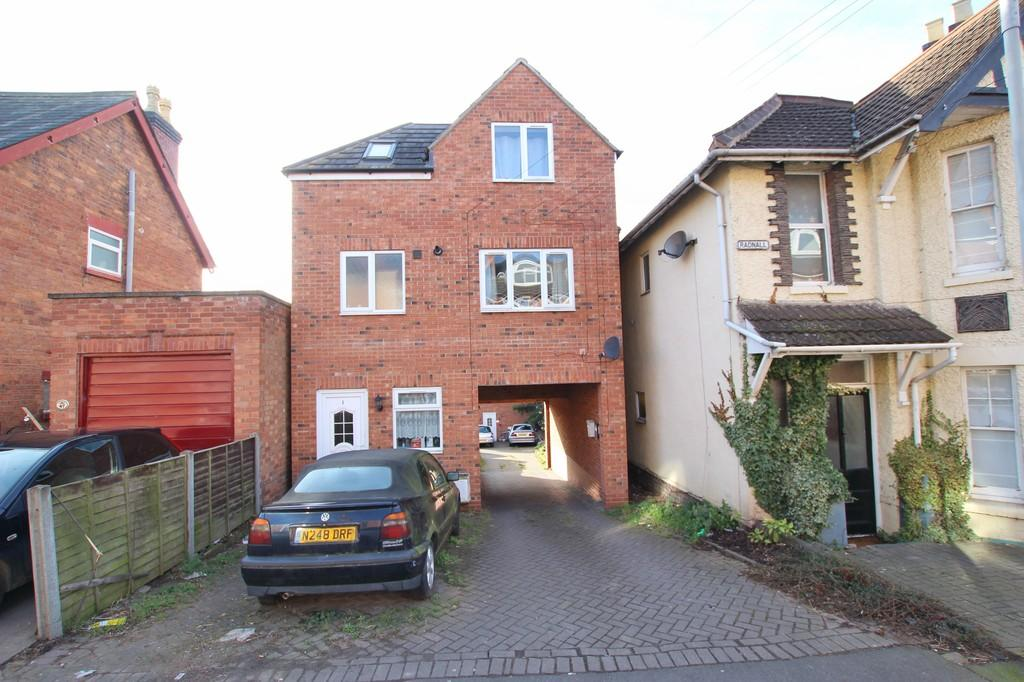 2 Bedrooms Semi Detached House for sale in Belmont Street, WORCESTER