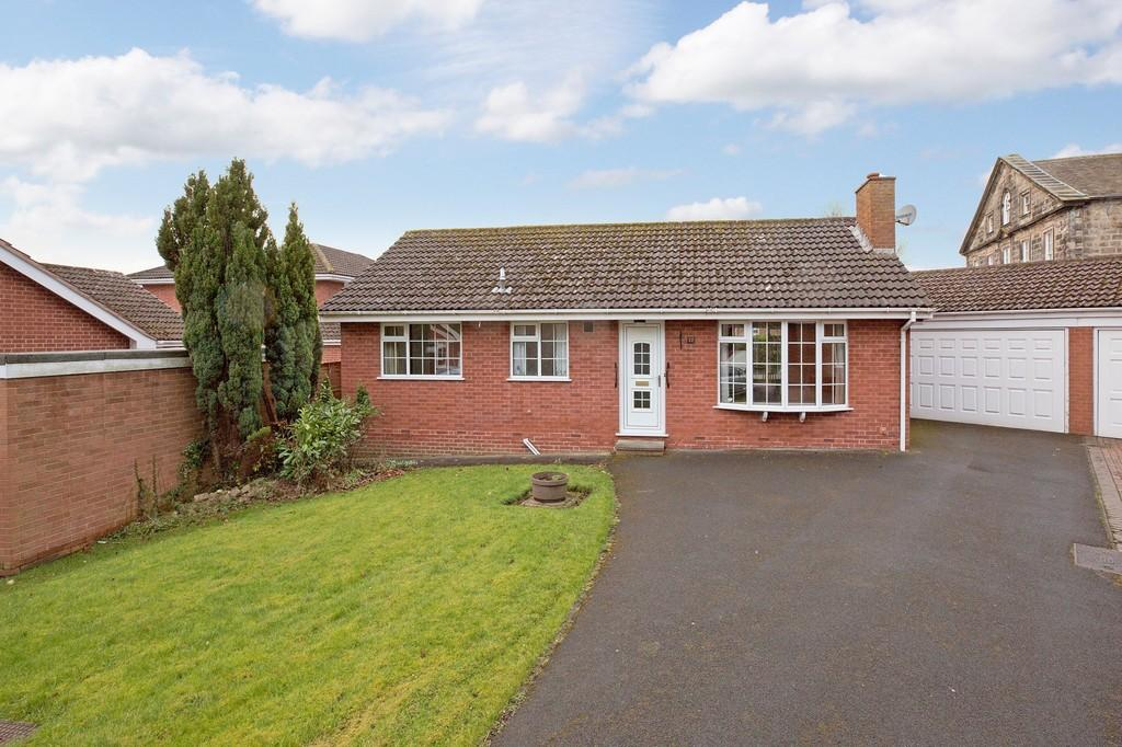 2 Bedrooms Detached Bungalow for sale in Newall Hall Park, Otley
