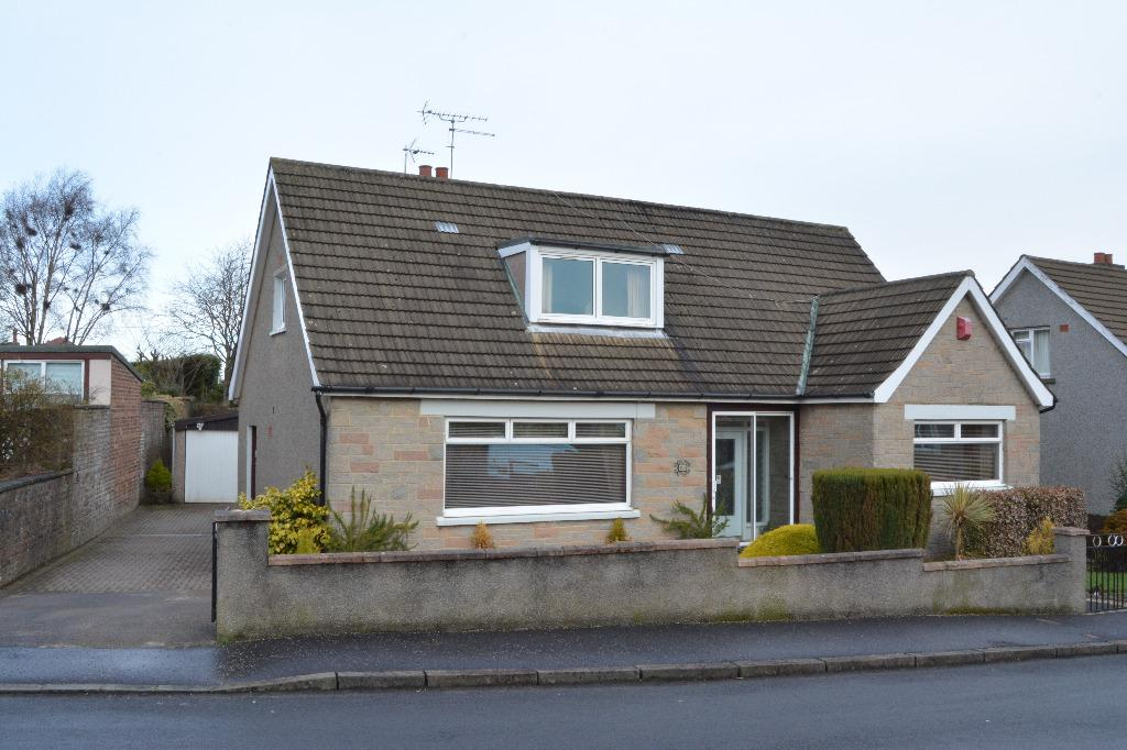 4 Bedrooms Bungalow for sale in Gartcows Crescent, Falkirk, Falkirk, FK1 5QH
