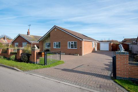 4 bedroom detached bungalow for sale - Bells Drove, Sutton St. James, PE12