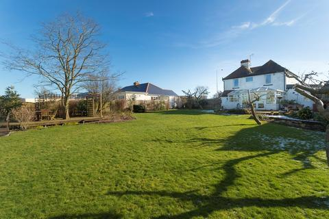 4 bedroom character property for sale - New Dover Road, Capel Le Ferne, Dover , CT18