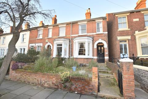 3 bedroom end of terrace house for sale - Beaconsfield Avenue, Colchester, CO3 3DH
