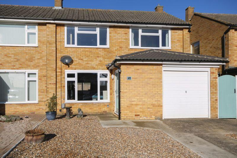 4 Bedrooms Semi Detached House for sale in Grovelands Avenue, Hitchin