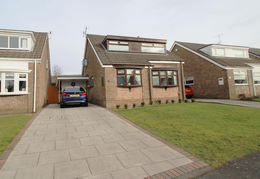 3 Bedrooms Detached House for sale in East Meade