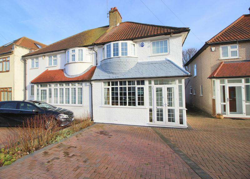 3 Bedrooms Semi Detached House for sale in Middleton Avenue, Sidcup, DA14 6JJ