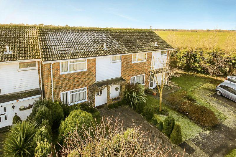3 Bedrooms Terraced House for sale in Angmering