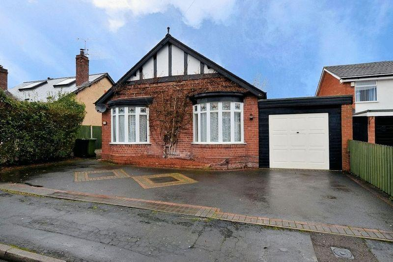 2 Bedrooms Detached Bungalow for sale in Greenhill Road, Halesowen