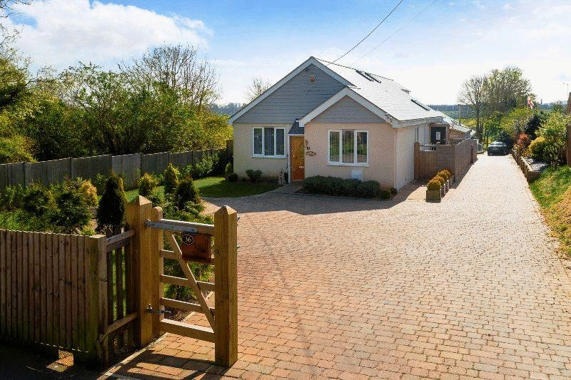4 Bedrooms Detached House for sale in Mill Lane, Dover