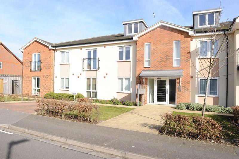2 Bedrooms Flat for sale in Elliott Avenue, Ruislip