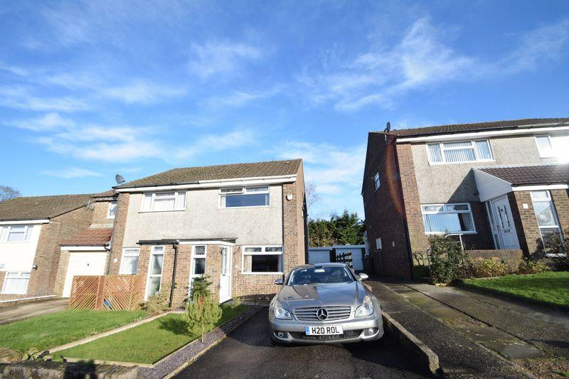2 Bedrooms Semi Detached House for sale in Palm Close, Pontypool