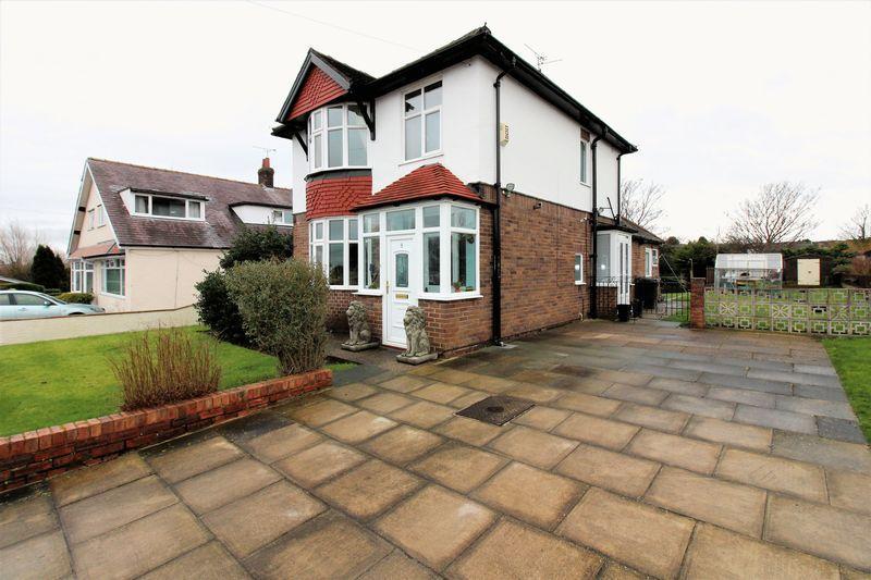 3 Bedrooms Detached House for sale in Garthorpe Avenue, Deeside