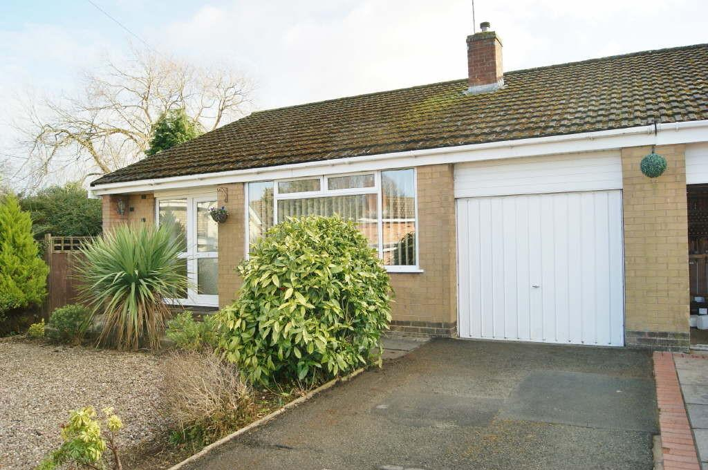2 Bedrooms Semi Detached Bungalow for sale in Daneswood, Marchwiel