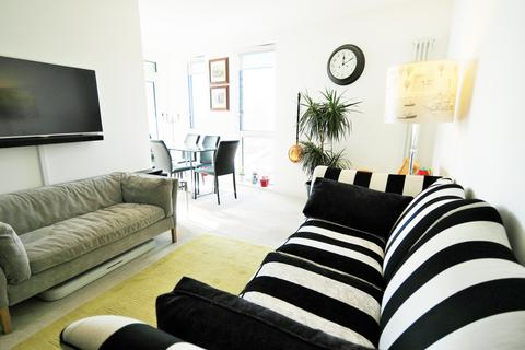 2 bedroom flat for sale - Bellville House, Norman Road, London