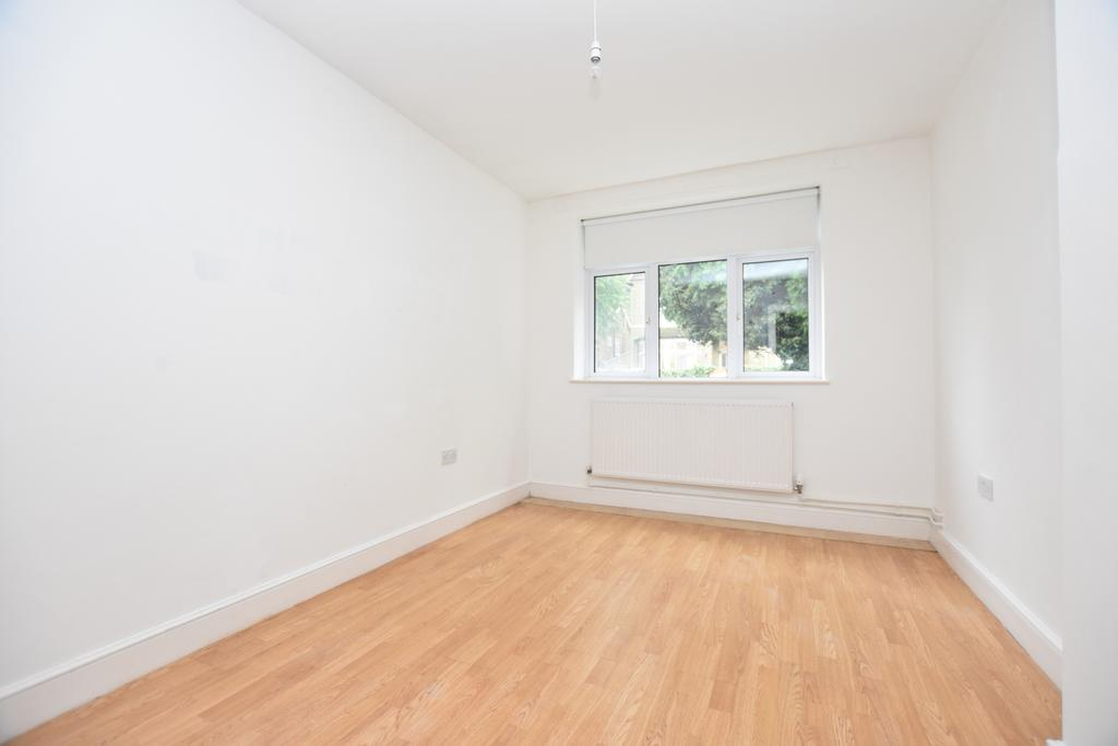 2 Bedrooms Flat for sale in Bromley Grove Shortlands BR2