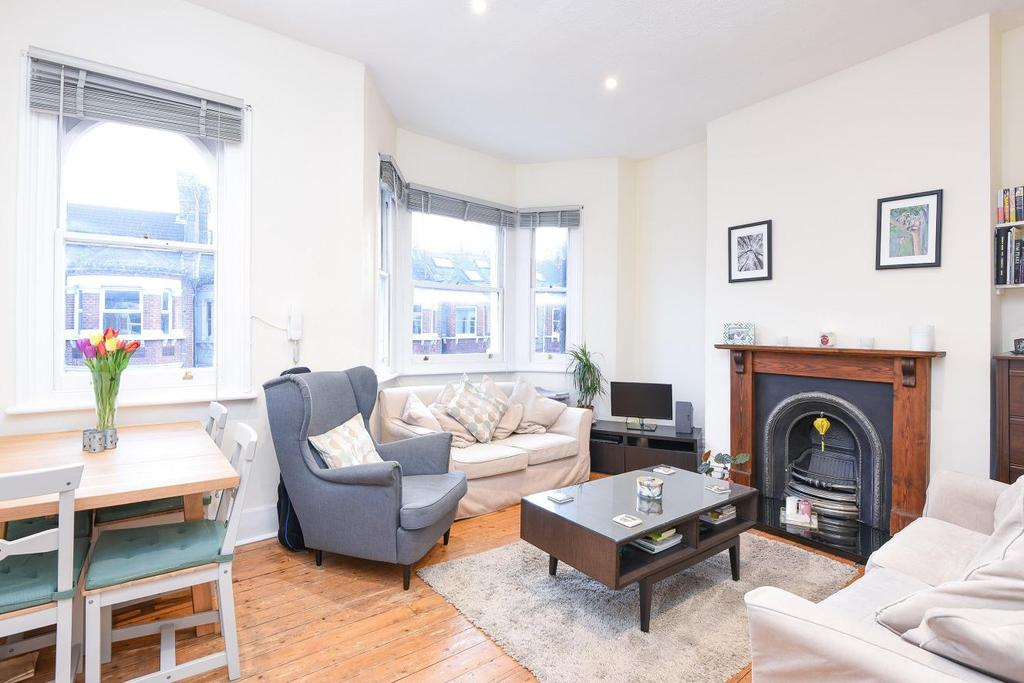 1 Bedroom Flat for sale in Handforth Road, Oval