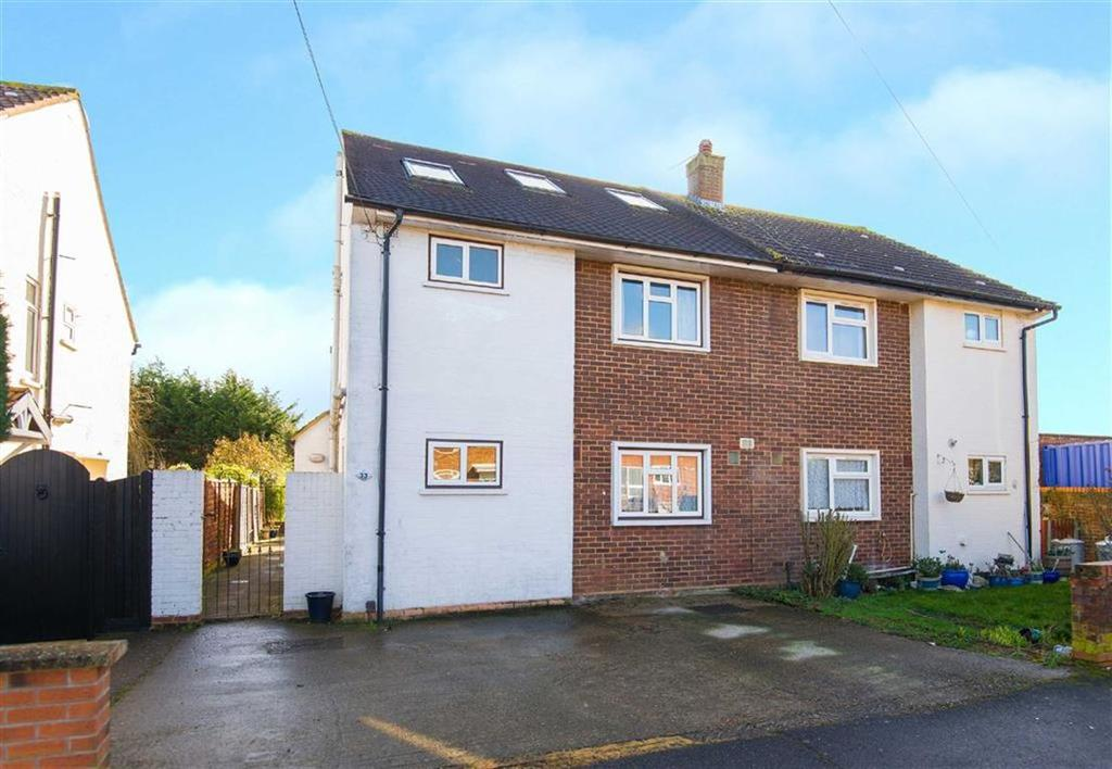 4 Bedrooms Semi Detached House for sale in Priors Gardens, South Ruislip, Middlesex