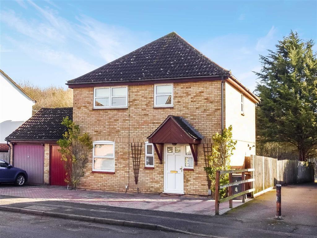 4 Bedrooms Detached House for sale in Chalkdown, Stevenage, Hertfordshire, SG2
