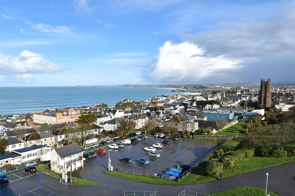 2 Bedrooms Apartment Flat for sale in Mount Wise, Newquay