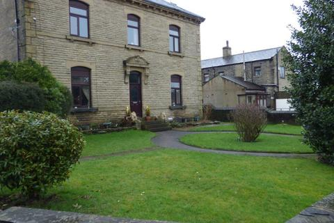 2 bedroom flat to rent - FLAT 3, 2 HIGH FERNLEY  ROAD, WYKE, BD12 8AR
