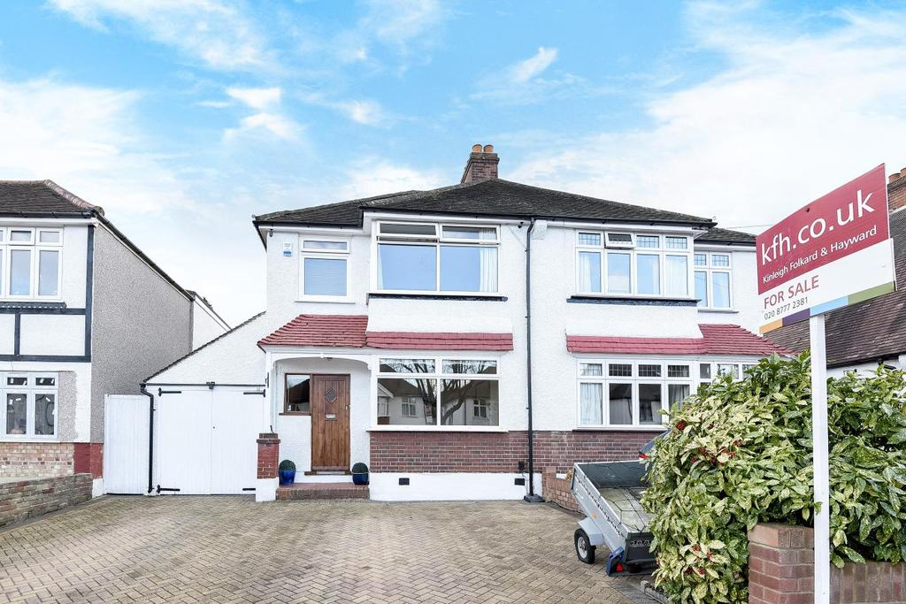 3 Bedrooms Semi Detached House for sale in Links View Road, Croydon