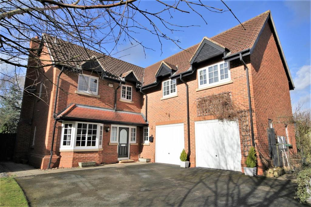 5 Bedrooms Detached House for sale in St. Edmunds, Stamford Bridge, York, YO41