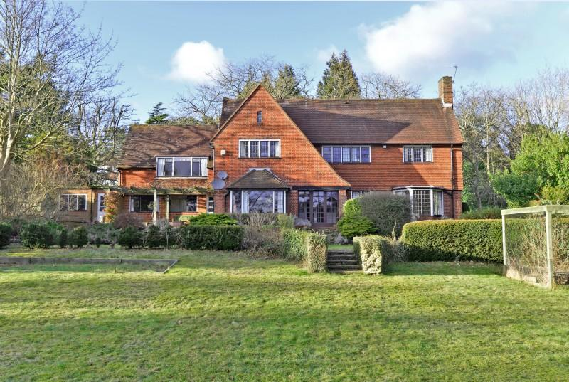 5 Bedrooms Detached House for sale in Chantry View Road, Guildford