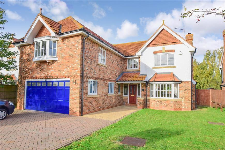 5 Bedrooms Detached House for sale in Court Tree Drive, Eastchurch, Sheerness, Kent