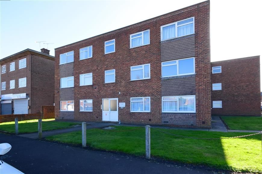 2 Bedrooms Apartment Flat for sale in Station Road, West Horndon, Brentwood, Essex