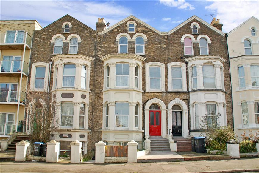 5 Bedrooms Terraced House for sale in Harold Road, Cliftonville, Margate, Kent