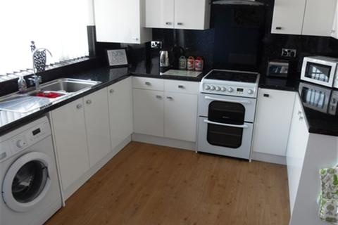 2 bedroom house to rent - Northfield Avenue, Hessle,