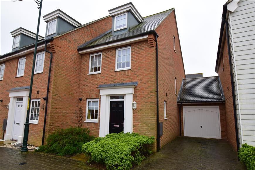 3 Bedrooms End Of Terrace House for sale in Hazen Road, Kings Hill, West Malling, Kent