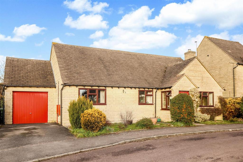 3 Bedrooms Bungalow for sale in Dorington Court, Bussage, Stroud