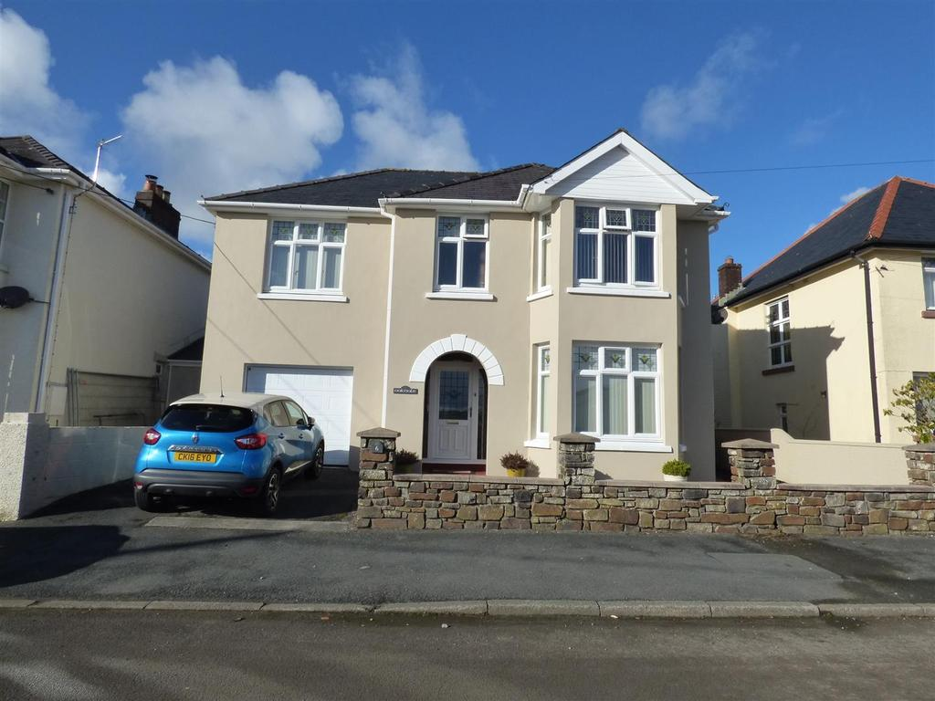 4 Bedrooms House for sale in Parc Thomas, Carmarthen