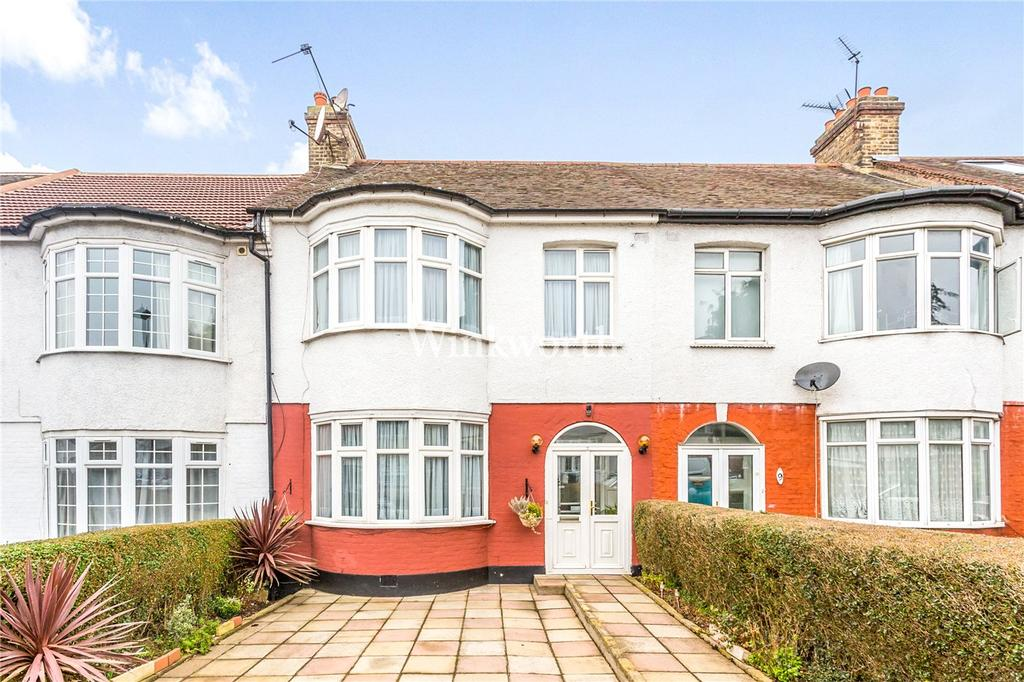 3 Bedrooms Terraced House for sale in Ashley Gardens, London, N13