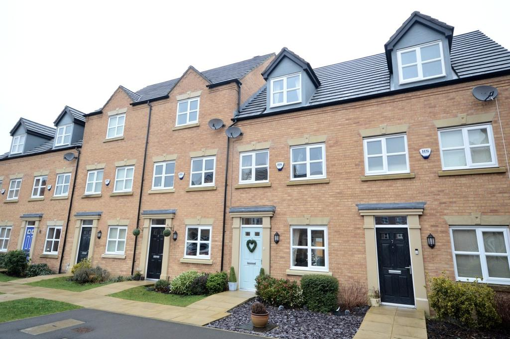 3 Bedrooms Mews House for sale in Giles Drive, Latchford