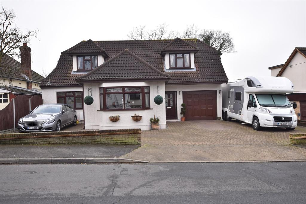 4 Bedrooms Detached House for sale in Oakfield Road