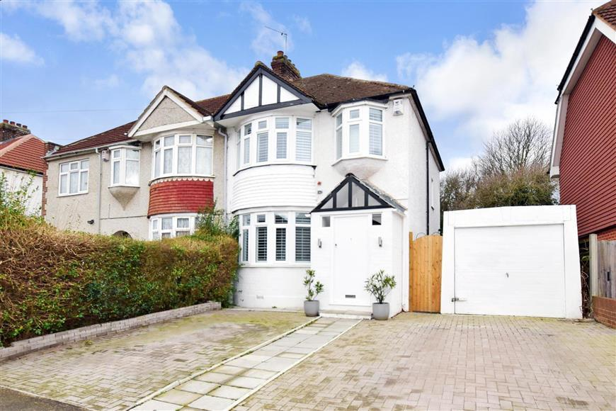 3 Bedrooms Semi Detached House for sale in Jersey Road, Strood, Rochester, Kent