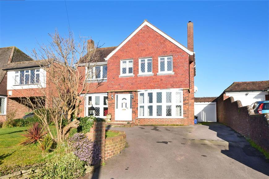 3 Bedrooms Detached House for sale in Lower Road, Havant, Hampshire