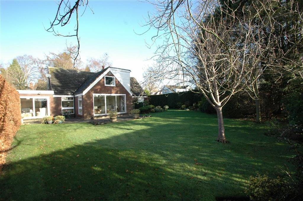 4 Bedrooms Detached House for sale in Private Walk, Dee Banks, Boughton, Chester