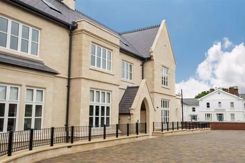 2 bedroom retirement property for sale - 17 Henley Hall, Kenilworth Place, Leamington Spa, CV32