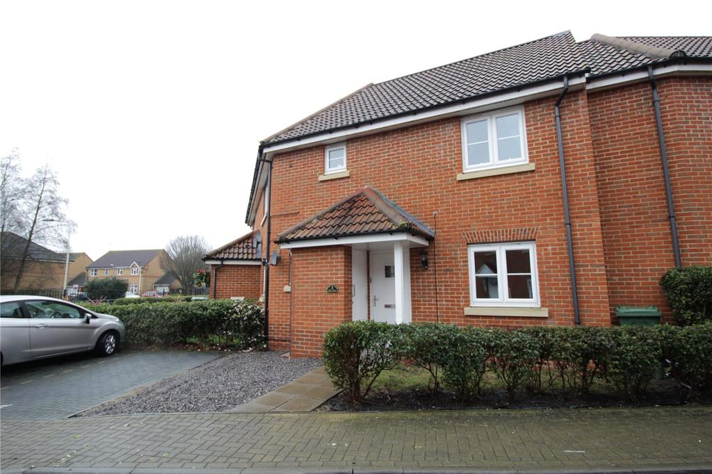 2 Bedrooms Maisonette Flat for sale in The Nave, Basildon, Essex, SS15