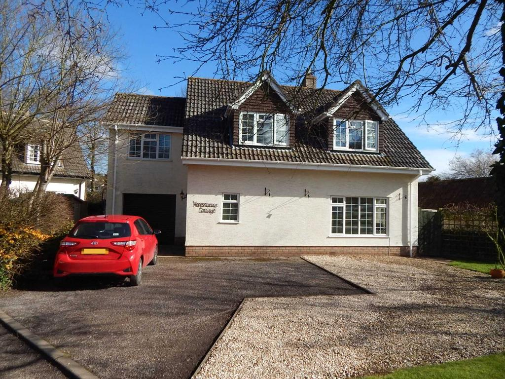4 Bedrooms Detached House for sale in Hillside, Whitford, Axminster