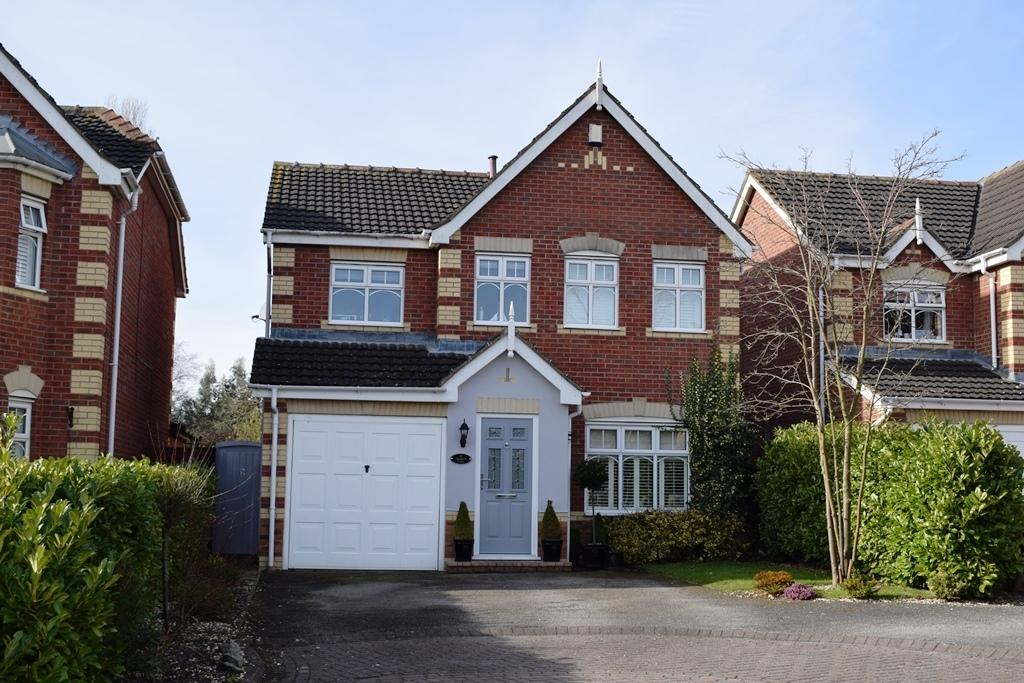4 Bedrooms Detached House for sale in Hampton Close, Cleethorpes, DN35 0UB