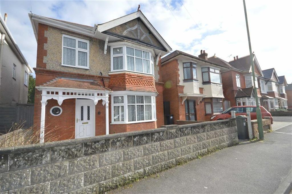 4 Bedrooms Detached House for sale in Bengal Road, Bournemouth, BH9