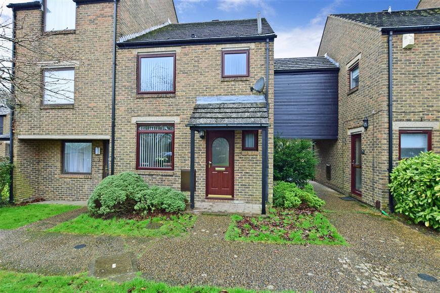 3 Bedrooms End Of Terrace House for sale in Bazes Shaw, New Ash Green, Longfield, Kent